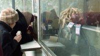 Меньше половины россиян причисляют себя к среднему классу