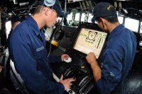 Сенсорные экраны стали причиной гибели моряков ВМС США