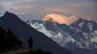 Высоту Эвереста перепроверят после мощных землетрясений