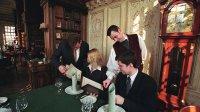 Аналитики узнали, кому россияне больше всего оставляют чаевые
