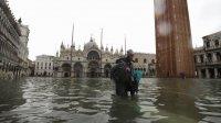 Венецию затопило из-задождей