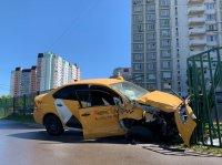 Такси все чаще попадают в аварии