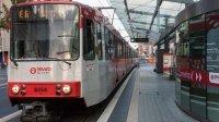 В Бонне пассажиры остановили трамвай без водителя