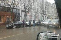 В Ростове BMW X6 протаранил Bentley, Porsche и ещё четыре авто