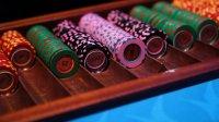 ВПетербурге вквартире чиновника обнаружили казино