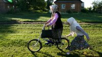 Три российские пенсионерки возродили закрытый водочный завод