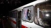 НаУкраине автобус сэвакуированными изКитая забросали камнями
