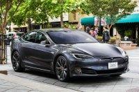 Tesla удаленно отключила автопилот на Tesla S после ее перепродажи