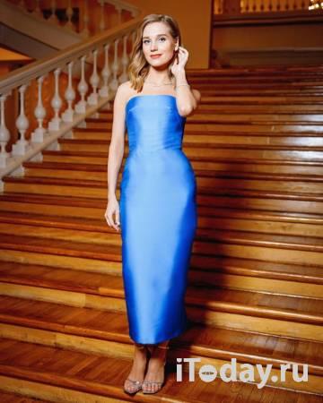 Рейтинг дня: Кристина Асмус в ярко-синем платье на красной ковровой дорожке