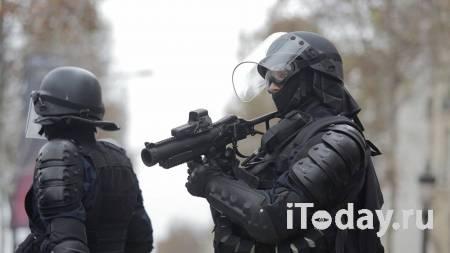 СМИ: основной подозреваемый в нападении в Париже признал вину - Радио Sputnik, 25.09.2020