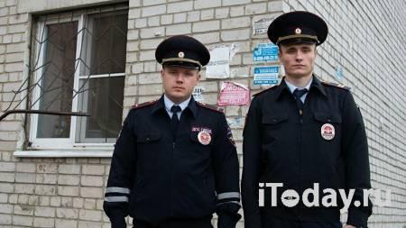 Воронежские полицейские спасли из пожара пожилую женщину и двоих детей - 27.09.2020