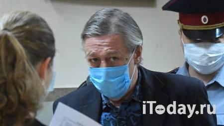 Оказал давление. Ефремов просит суд не учитывать жалобу экс-адвоката - Радио Sputnik, 01.10.2020