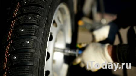 В Москве мужчина умер при попытке поменять колесо автомобиля - 21.10.2020