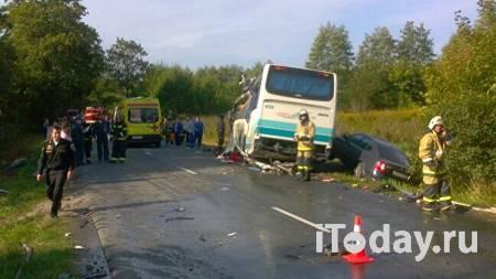 В Коми школьный автобус столкнулся с грузовиком - 21.10.2020