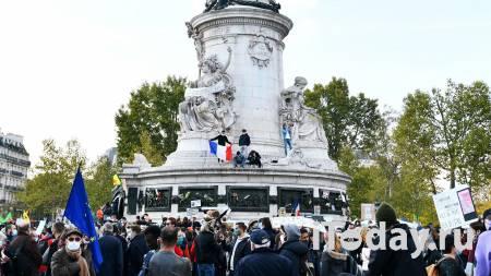 В верующих у Парижской соборной мечети бросили петарду - Радио Sputnik, 23.10.2020