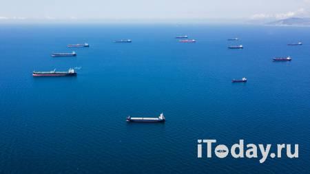 Рядом с аварийным танкером в Азовском море установят боновые ограждения - 24.10.2020