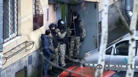 Взявший детей в заложники в Колпино мужчина арестован - Радио Sputnik, 25.11.2020
