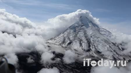 Вулкан Ключевской на Камчатке выбросил столб пепла на шесть километров - 29.11.2020