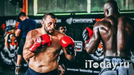 Опубликовано видео драки российского бойца UFC на свадьбе в Дагестане - Спорт 02.12.2020