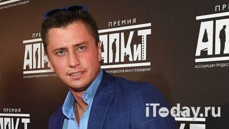 Полицейским пришлось разнимать жесткую драку в метро - Радио Sputnik, 31.12.2020