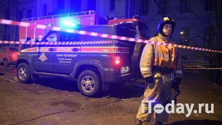 В Петербурге из-под тротуара вырвалось пламя - 03.01.2021