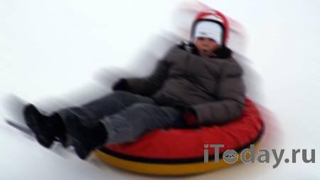 """Россиян предупредили о смертельной опасности катания на """"ватрушках"""" - Радио Sputnik, 08.01.2021"""
