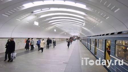 Чудо в подземке. В московском метро ребенок упал под поезд и выжил - Радио Sputnik, 11.01.2021