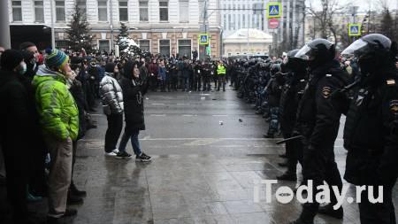 Полиция контролирует ситуацию после несанкционированной акции в Москве - Радио Sputnik, 23.01.2021