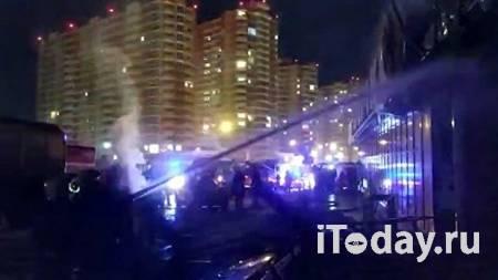 В Екатеринбурге частично ликвидировали пожар в производственном здании - 24.01.2021