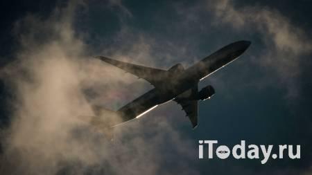 В Екатеринбурге самолет вынужденно сел из-за ухудшения здоровья пассажира - 30.01.2021