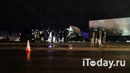 Стало известно состояние пострадавших в ДТП с грузовиком под Самарой - Радио Sputnik, 01.02.2021