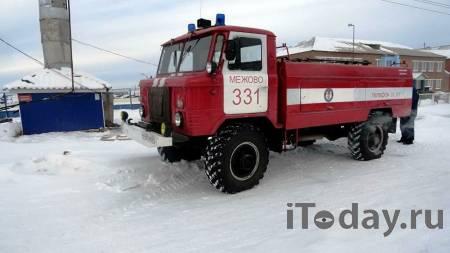 В Красноярске загорелся автомобильный склад - 03.02.2021