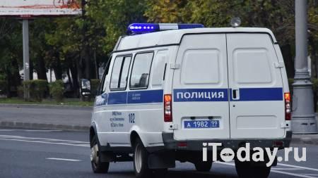 Неудачно лег на дно. Мужчину в розыске поймали при краже продуктов - Радио Sputnik, 03.02.2021
