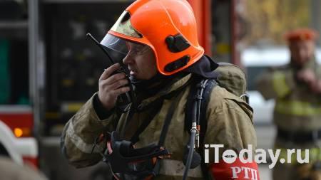 На юге Москвы горит ангар на площади 400 квадратных метров - 07.02.2021