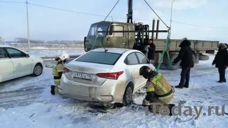 В Свердловской области восстановили движение на трассе после крупного ДТП - 07.02.2021