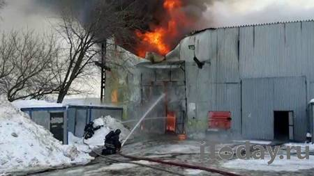 Пять человек погибли при пожаре в частном доме в Сыктывкаре - Радио Sputnik, 09.02.2021