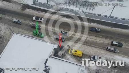 В Москве водитель сбил двух пешеходов - 10.02.2021