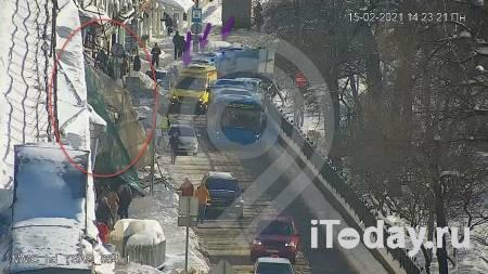В центре Москвы обрушились строительные леса - 15.02.2021