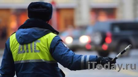 На востоке Москвы такси врезалось в препятствие - 23.02.2021