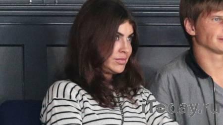 Экс-супруга Аршавина обратилась к матери после четырехдневной комы - Радио Sputnik, 28.02.2021