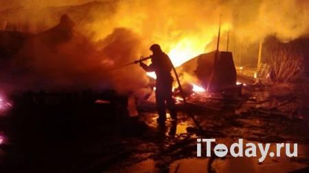 В Хабаровске загорелся склад с пластиком - 28.02.2021