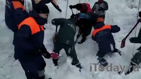 В Кузбассе подросток погиб в сугробе, катаясь с горки - 09.03.2021