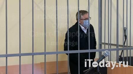 Суд арестовал главного нефролога Петербурга по подозрению в убийстве жены - 02.04.2021