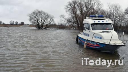 Иркутский поселок Залари затопило, власти ввели режим ЧС - Радио Sputnik, 08.04.2021