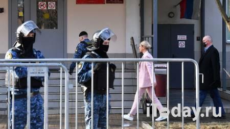 Прокурор запросил год исправительных работ для Соболь - 14.04.2021