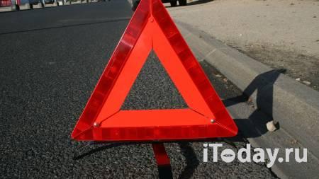 В Крыму при столкновении автобуса с легковушкой пострадали пять человек - 22.04.2021