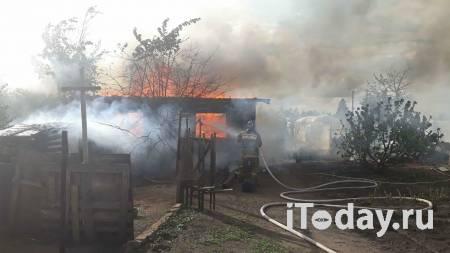В Омской области загорелись жилые дома - 02.05.2021