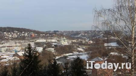 В Смоленске строительные леса обрушились на крепостной стене - 04.05.2021