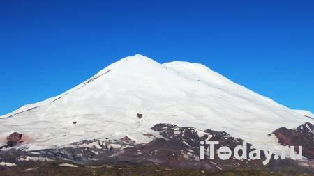 На Эльбрусе спасли получившую травмы альпинистку - 08.05.2021