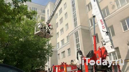 Прокуратура начала проверку по факту пожара в многоэтажке в Екатеринбурге - 14.05.2021